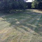 Zbehy - kosenie parkového trávnika